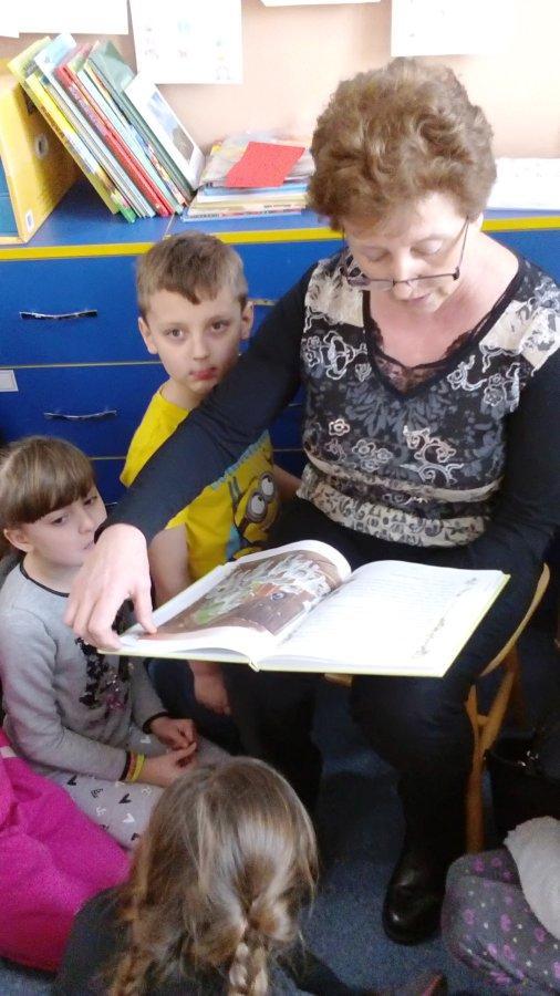 Przegladasz: Czytające Babcie.