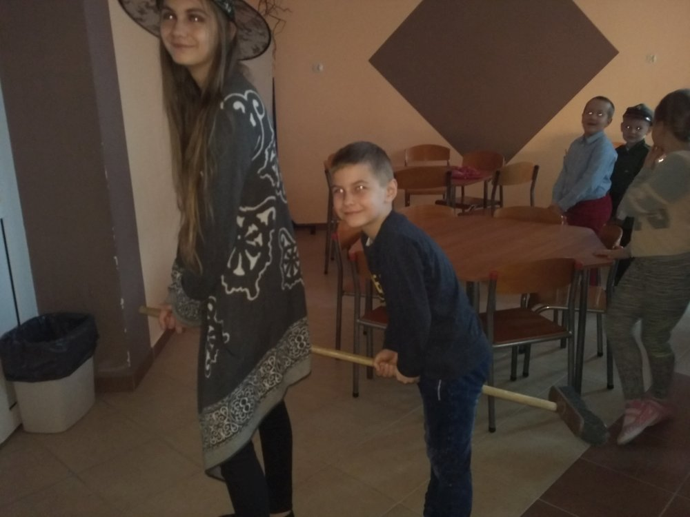 Przegladasz: Andrzejki szkolne.