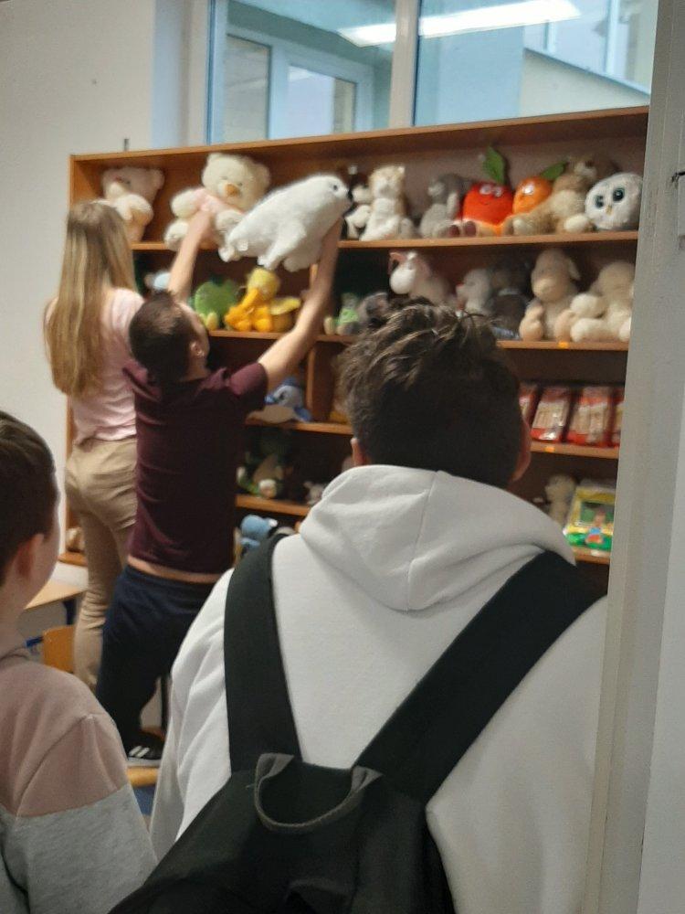Przegladasz: Teatralne Mikołajki  2019 w… schronisku dla zwierząt