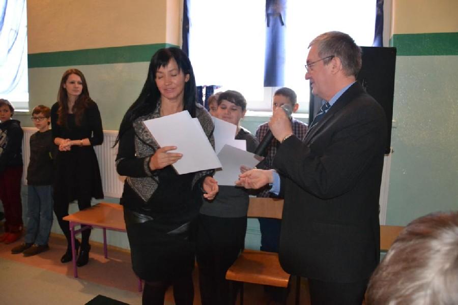 Przegladasz: V Międzyszkolny Konkurs Kolęd i Pastorałek - I miejsce Karoliny Wiśniewskiej.