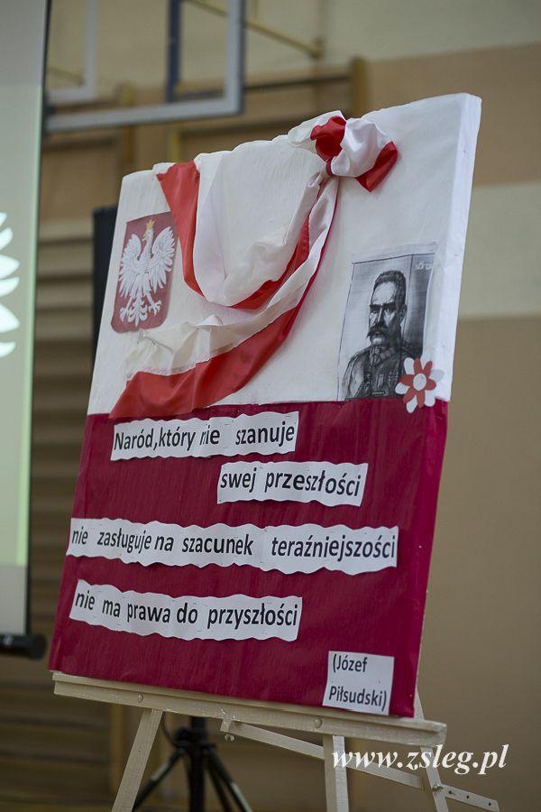 Przegladasz: Akademia w rocznicę odzyskania niepodległości.